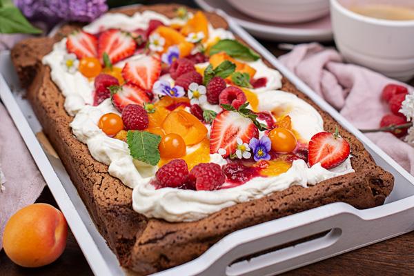 Fruchtiger Schoko Blechkuchen