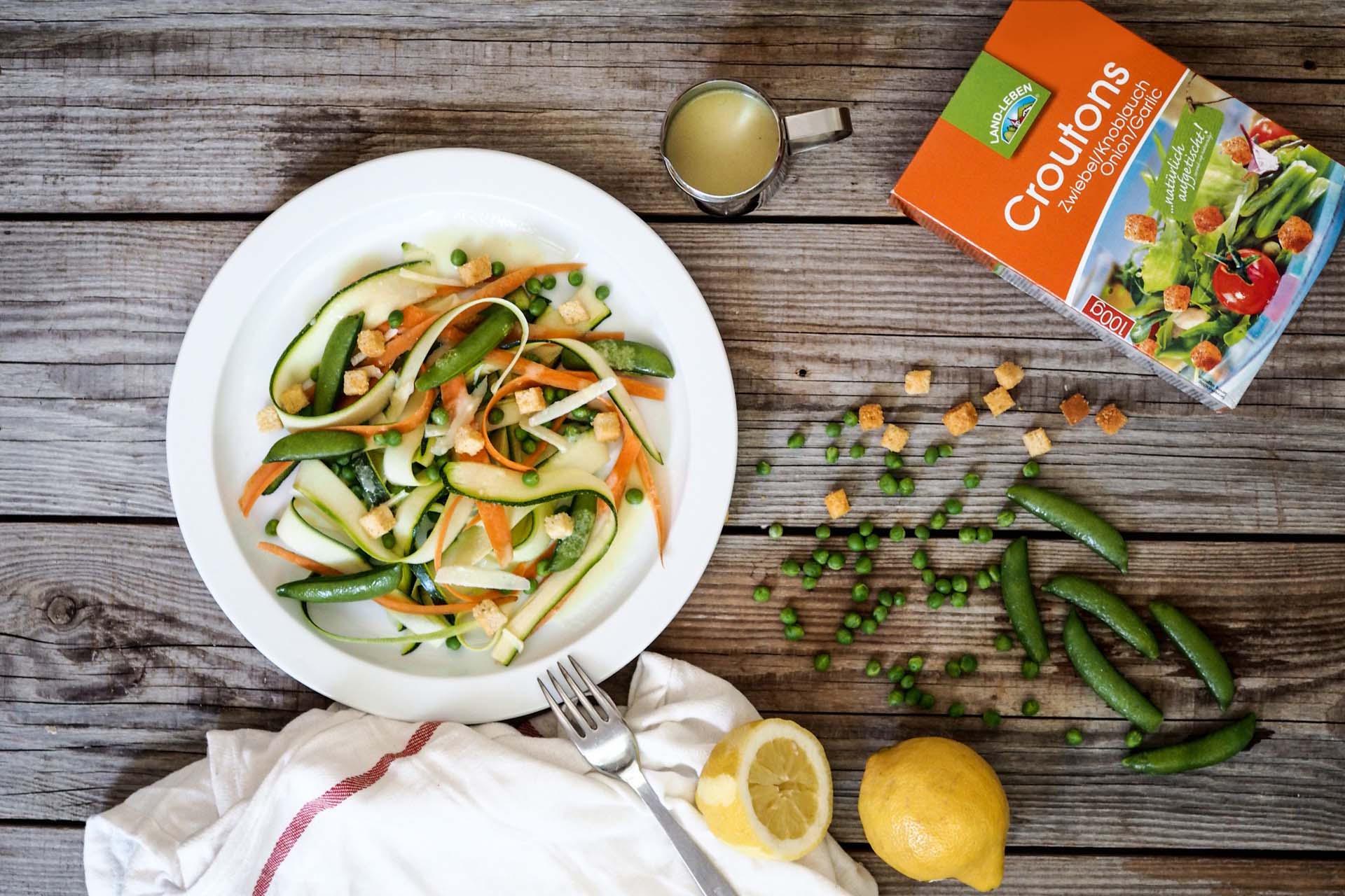 Zucchini-Karottensalat