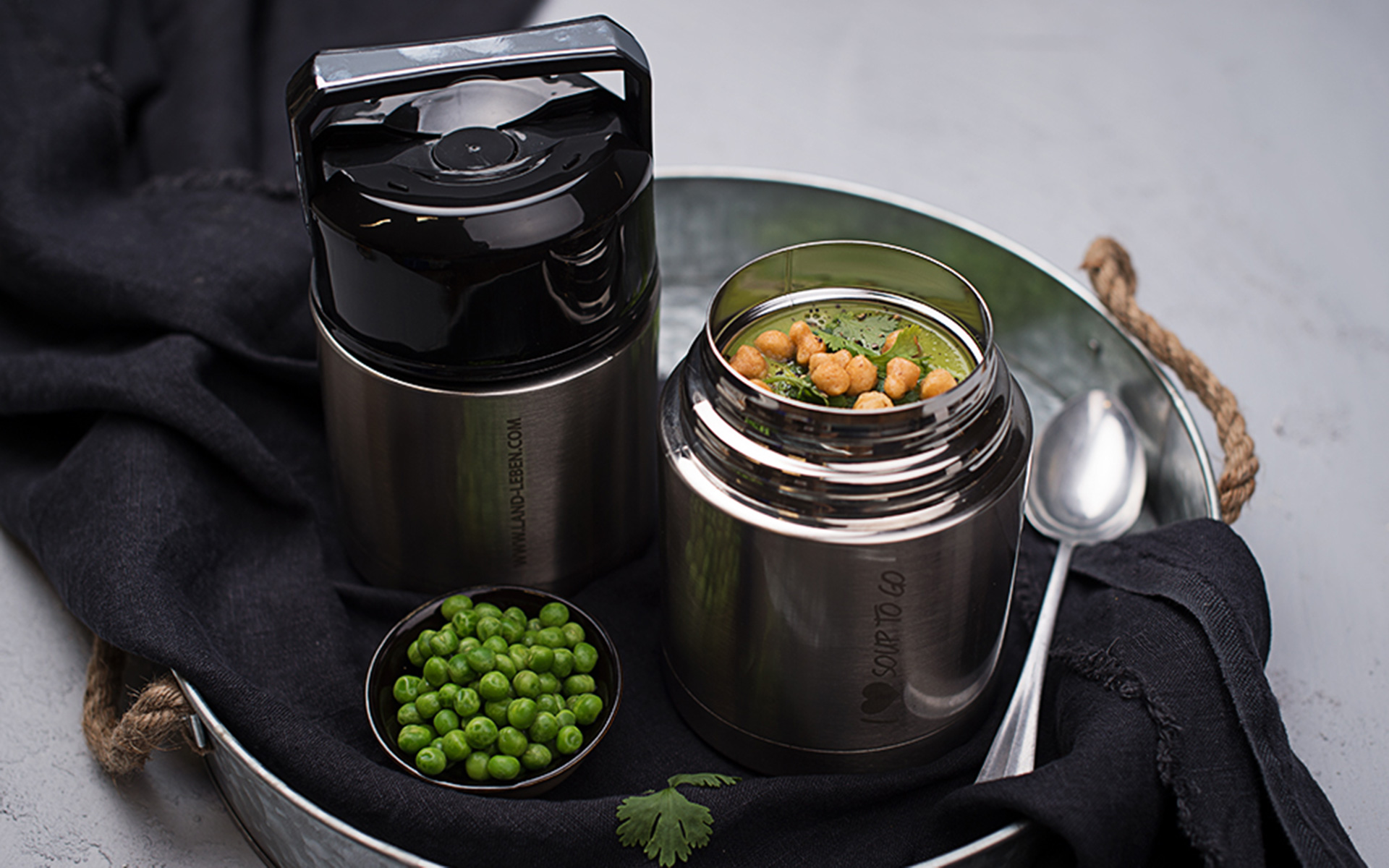 "Win one of ten LAND-LEBEN ""Soup to go"" thermos flasks"