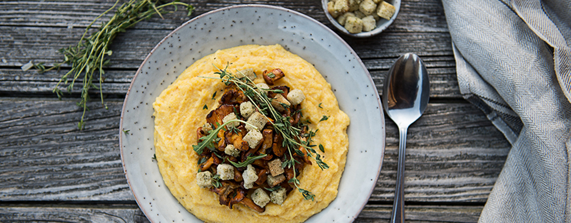 Creamy polenta with mushrooms & croutons