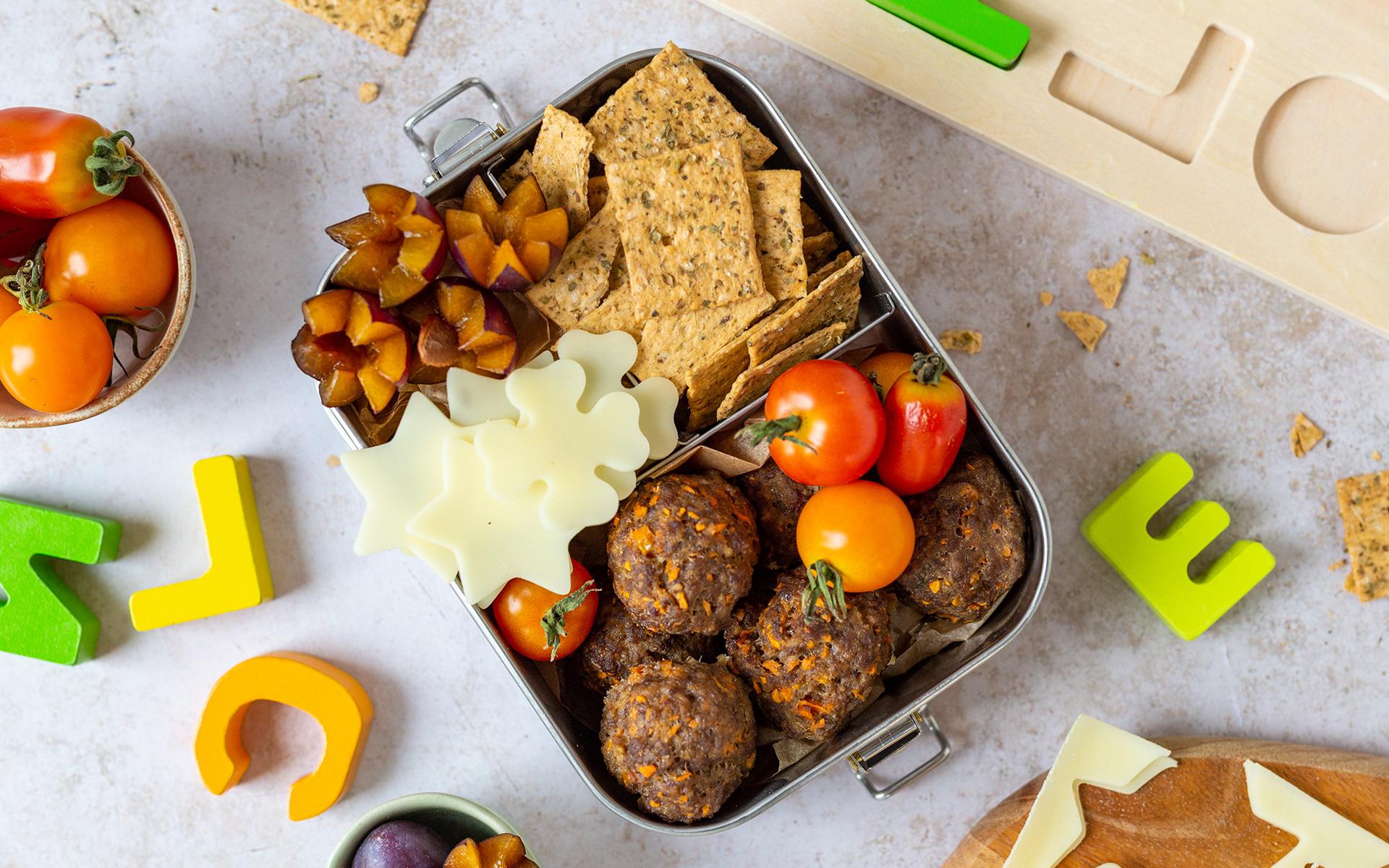 Jausenbox mit Kürbis-Hackfleisch-Bällchen